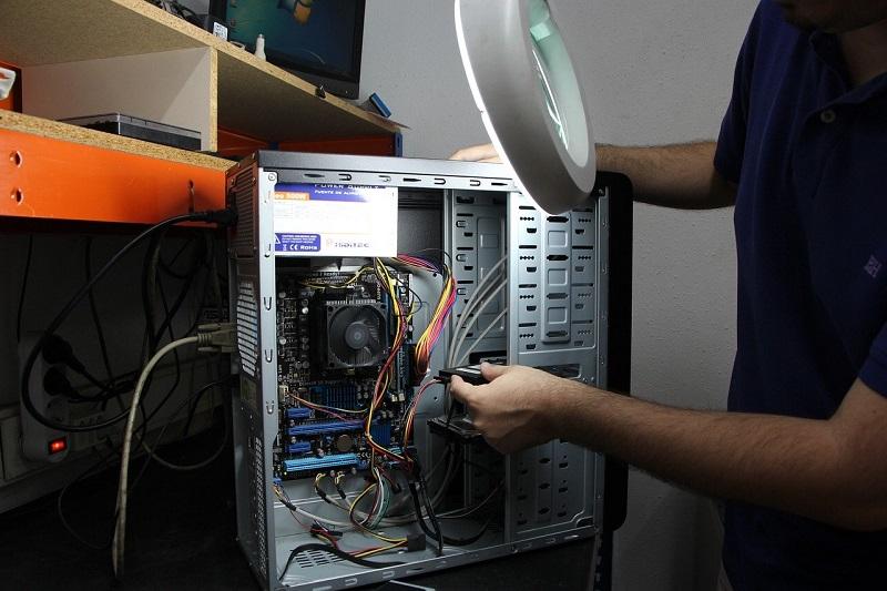 Qualitative Computer Reparatur