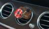 Halten Sie Ihr Fahrzeug mit einem Autoparfüm frisch